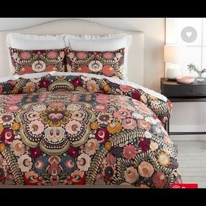 Helena Embroidered Queen Duvet Cover & 2 Shams